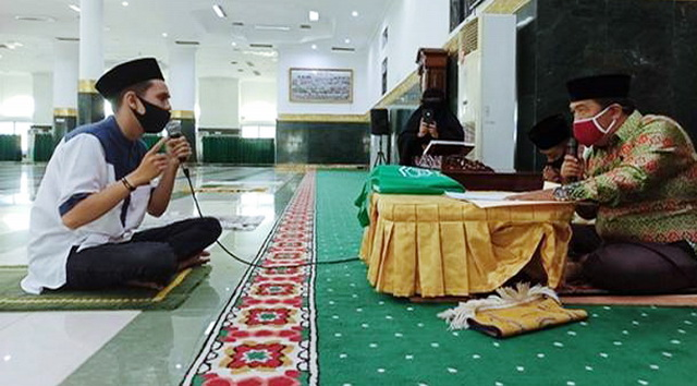 Tersentuh Saat Dengar Lantunan Ayat Alquran, Pemuda Ini Akhirnya Mantap Masuk Islam