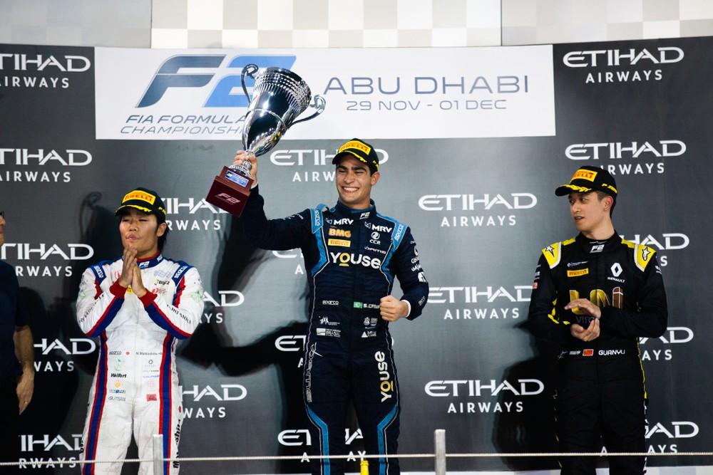 Sette Câmara comemora a vitória em Abu Dhabi — Foto Joe PortlockF2