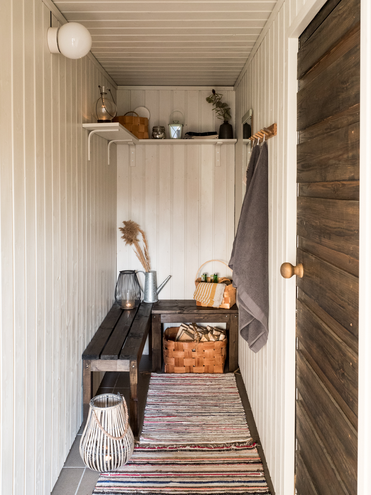 saunan pukuhuoneen remontti