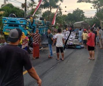 Diduga, Truk Rem Blong, 5 Orang Tewas