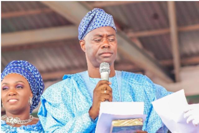 New year's eve:  Oyo Gov,  Seyi Makinde lifts curfew