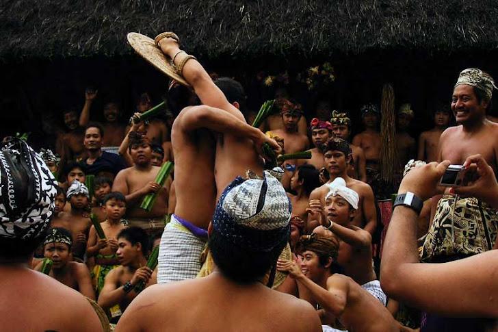 Desa Tenganan Pegringsingan Bali - Sejarah, Fasilitas Wisata, Lokasi