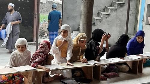 Sekolah Islam Dihapus, Pak Menteri: Kita Butuh Lebih Banyak Dokter daripada Imam Masjid