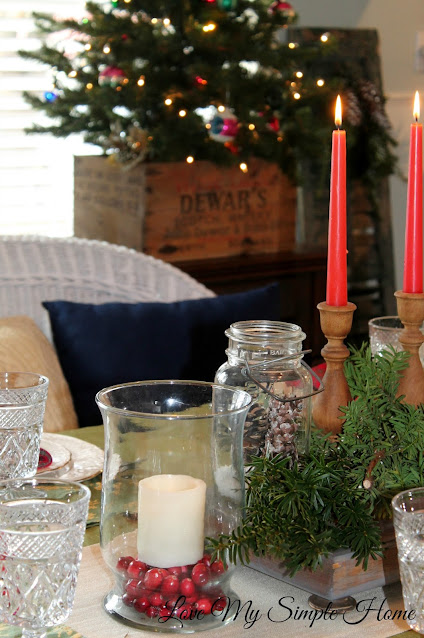 rustic-dining-room-decorated-for-Christmas-blog.lovemysimplehome.com