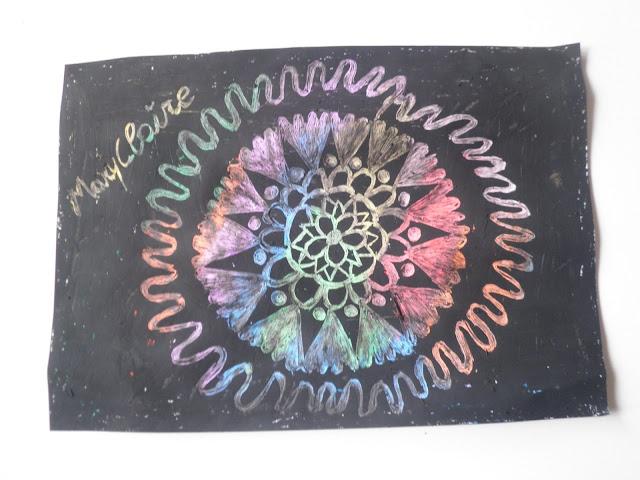mandala fatto con i colori a cera