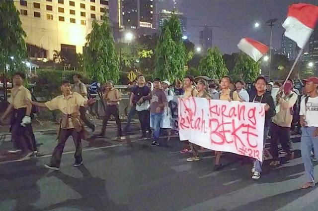 Demo Pelajar STM di Gedung DPR Semakin Brutal