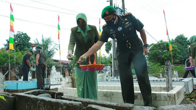 Peringati HUT Korem Ke - 59, Dandim 0105/Abar Turut Dampingi Danrem 012/TU Ziarah Ke Makam Pahlawan