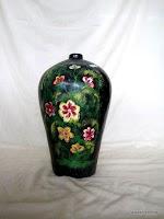 Vas cat supit yang menarik untuk hiasan ruamg tamu di rumah maupun di perkantoran