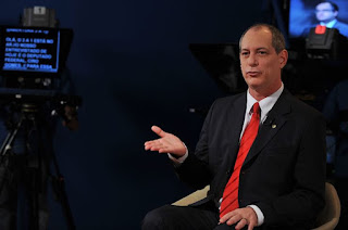 http://vnoticia.com.br/noticia/2958-pdt-lanca-candidatura-de-ciro-gomes-a-presidente