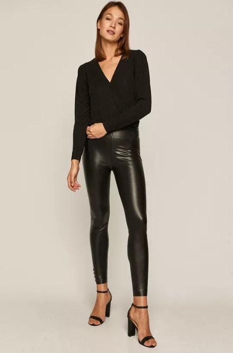 Pantaloni Glitch skinny negri cu talie ianalta din imitatie de piele