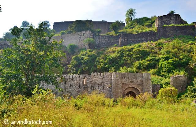खूबसूरत कांगड़ा किले की यात्रा