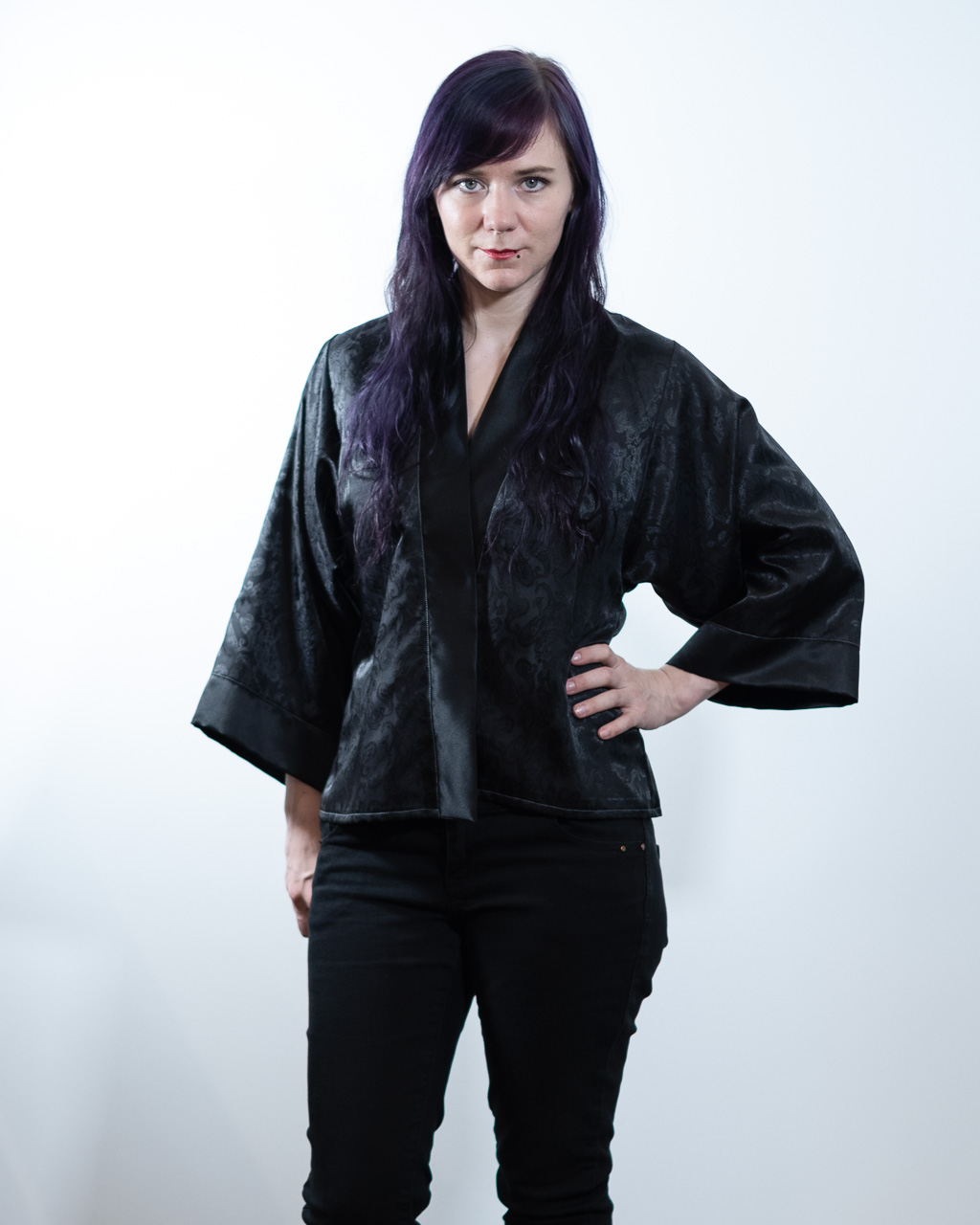 Minn's Things Suki Robe Sewing pattern Helen's Closet Hacked Short Satin Fabric Front