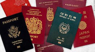 Trik simpan paspor saat liburan.