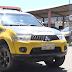 Bandidos roubam dois carros de funcionários de posto de combustíveis
