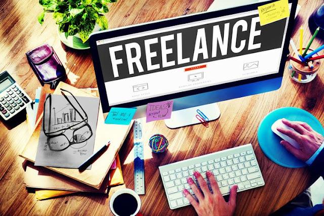 bekerja sebagai freelance