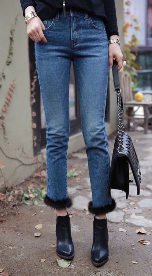 Cropped Faded Jeans With Mink Fur Hem