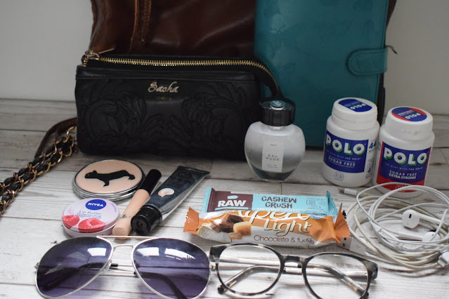 What's inside my bag contents