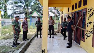 Kpt Inf Zulkarnaini Bersama Unsur Tripika Sumay Buka Segel Kantor Desa