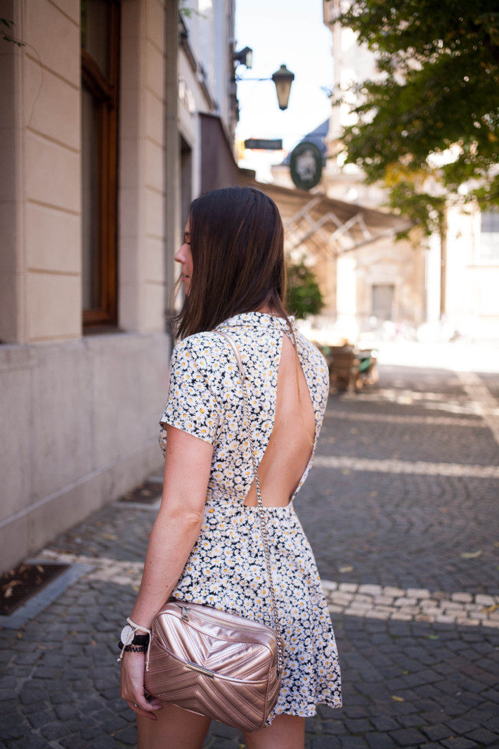 Outfit: open back floral dress, teva flatforms