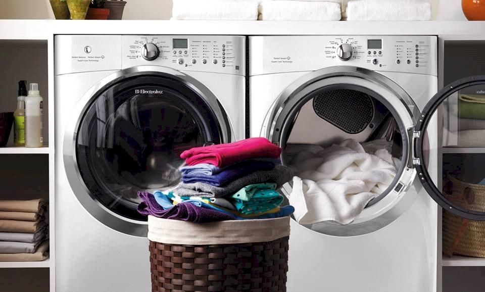 Cách bảo quản quần áo len