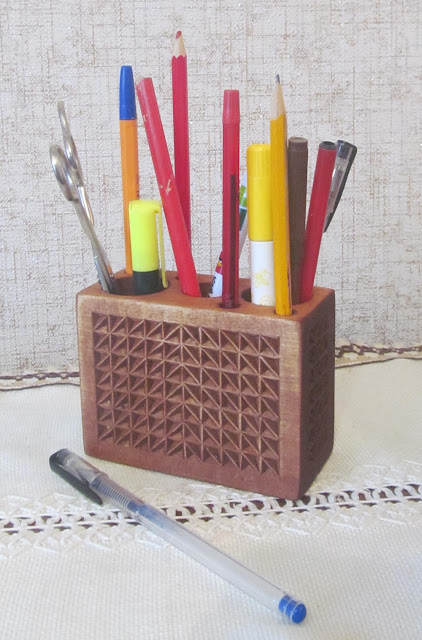 деревянная карандашница