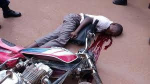 Adidogomé: Un policier de la patrouille fracasse hier la tête d'un motocycliste avec la crosse de son fusil
