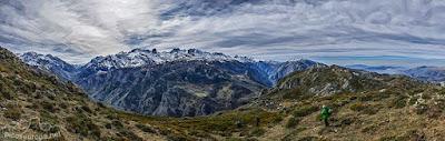 Picos de Europa desde el Collado de Posadoiro en la Sierra de Portudera