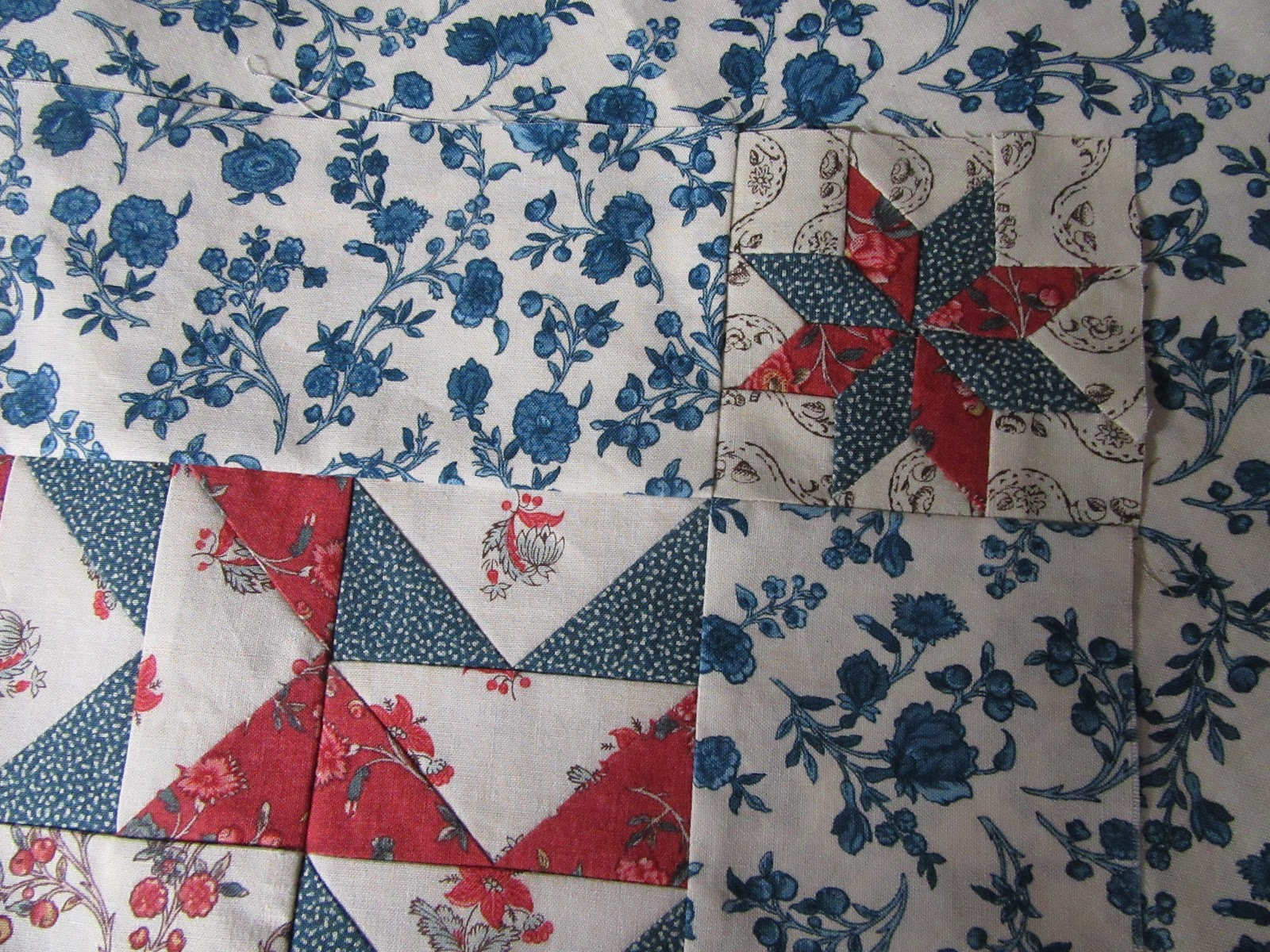 Busy Thimble: Working on Quilt for Shophop..........