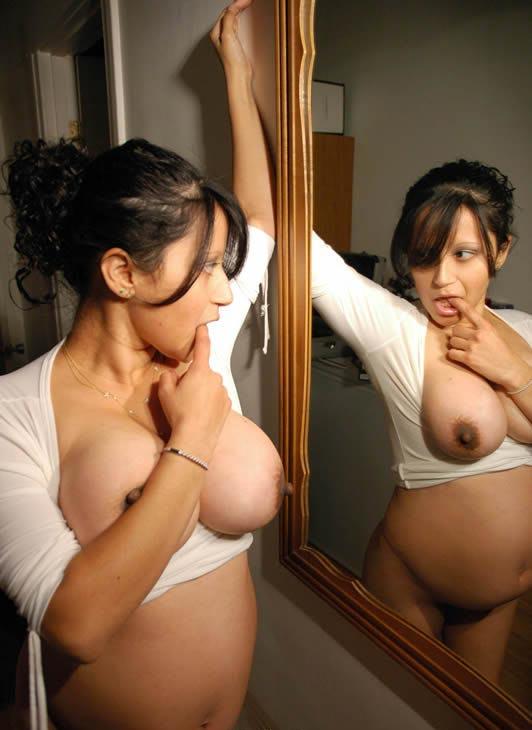 Desi Pregnant Aunty (सेक्सी महिला)