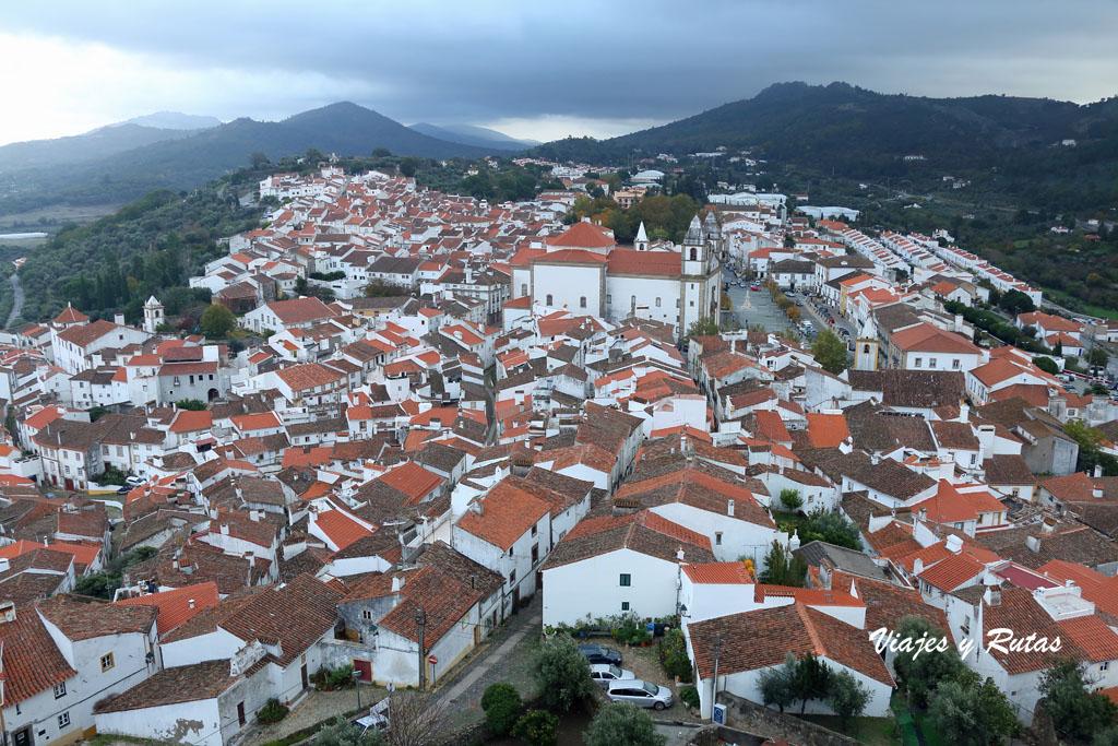 Vistas del Castelo de Vide a la población