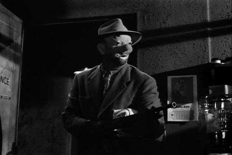 Sterling Hayden leads a failed heist in Stanley Kubrick's The Killing