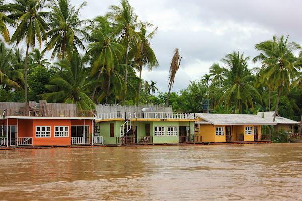 Hoteles, albergues y alojamiento en la Isla Don Khon