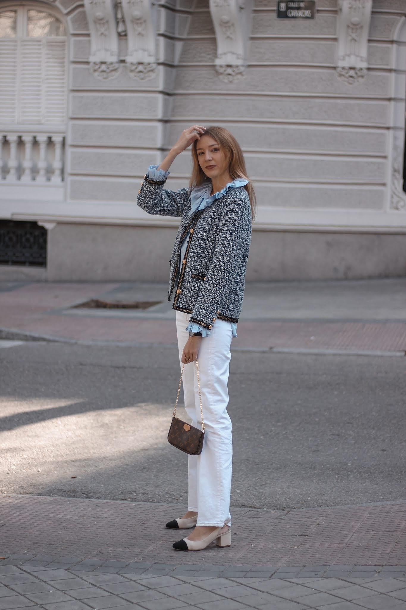 look-oficina-blusa-volantes-cuello-chicwish-americana-tweed-venca-pantalones-flare-blancos-preppyels