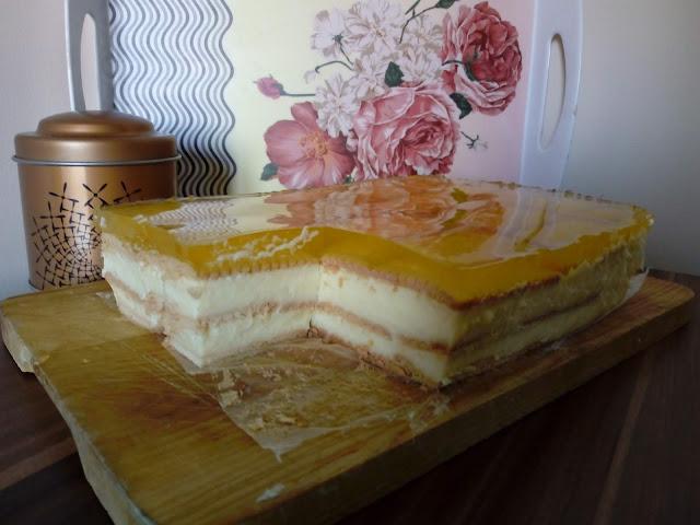 cytrynowy budyniowiec ciasto z galaretka ciasto z budyniem ciasto na zimno ciasto bez pieczenia herbatnikowiec ciasto na herbatnikach ciasto cytrynowe