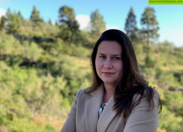 """Mónica Gómez: """"El Ayuntamiento de Puntagorda no puede poner a un cargo político a sustituir en su trabajo a la directora de la residencia de mayores"""""""