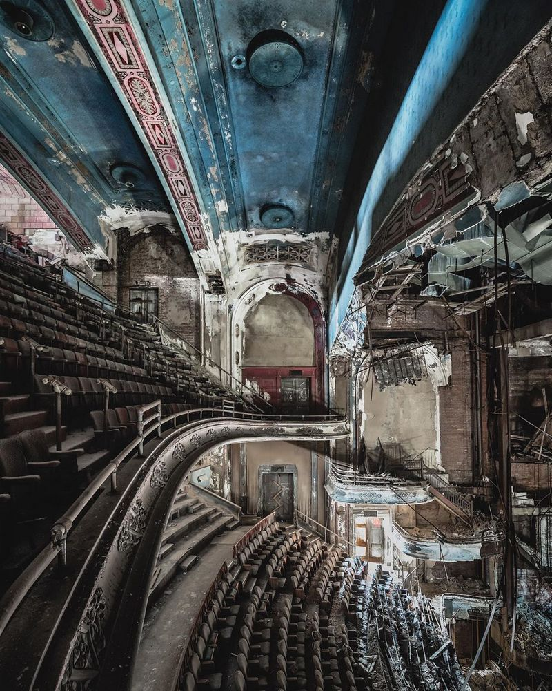 Simon Yeung capture abandoned places from different parts of Europe, Central Asia and the United States abandoned places photography, photographers, buildings, places, for photography, abandonment photography,