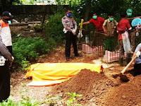 Korban Lakalantas Tanpa Identitas di Pangkep Akhirnya Dikuburkan di Pekuburan Bontoriu