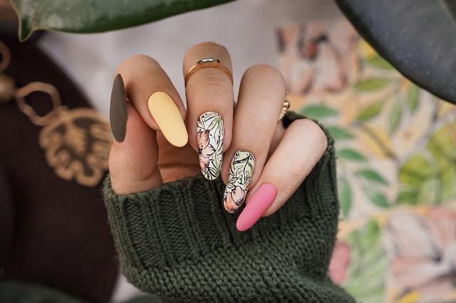 paznokcie akwarelowe