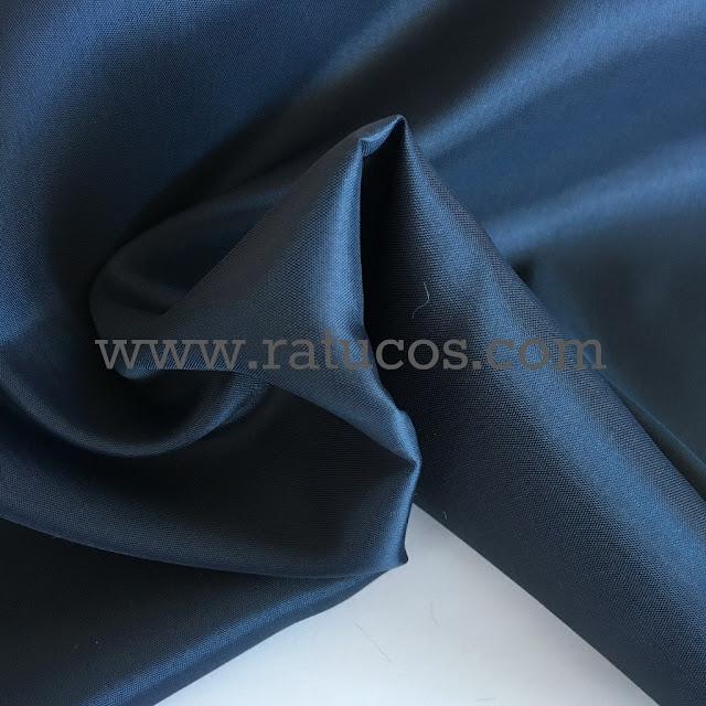 Forro de raso en color azul marino