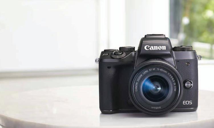 Canon EOS M5 Kamera Mirrorless Terbaru Dari Canon Dengan Segudang Fitur Handal