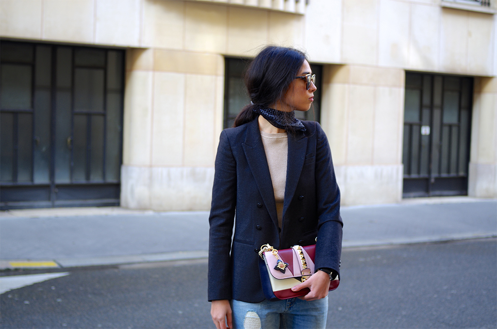 Elizabeth l Chic distressed Mango jeans outfit Valentino bag Rockstud Hermes l THEDEETSONE l http://thedeetsone.blogspot.fr