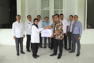 BJB Salurkan CSR Untuk Pembangunan Islamic Center Syekh Abdul Manan Indramayu