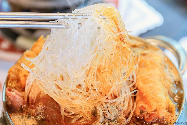 MG 9211 - 偈亭泡菜鍋,平均每鍋不到$200元,不僅附有冬粉與白飯,配料更是多到快要滿出來!