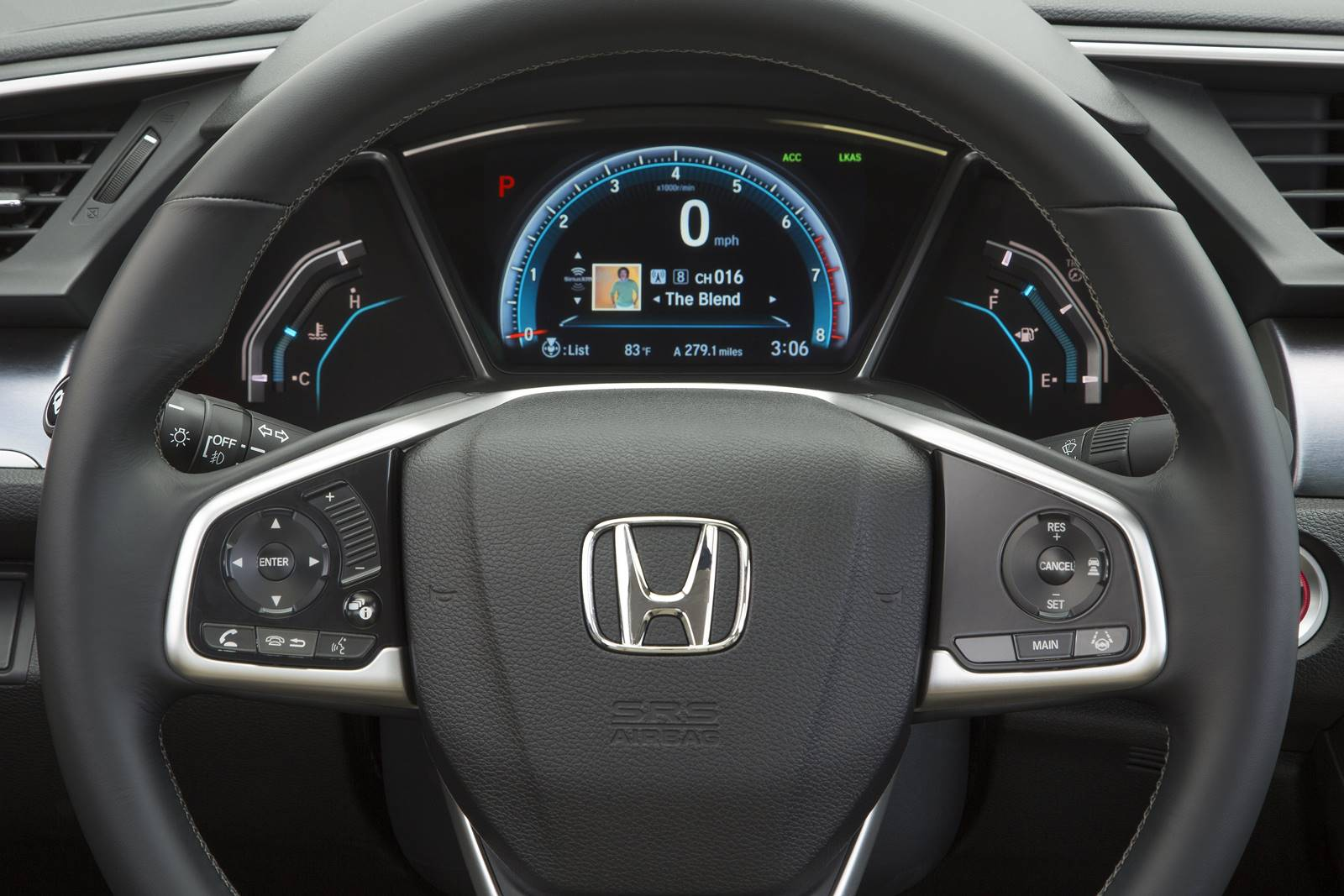 Novo Honda Civic 2017 x Novo Cruze 2017