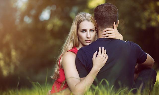 涉通姦遭傳喚,愛上才知對方是有婦之夫!妙齡女委任律師做無罪辯護