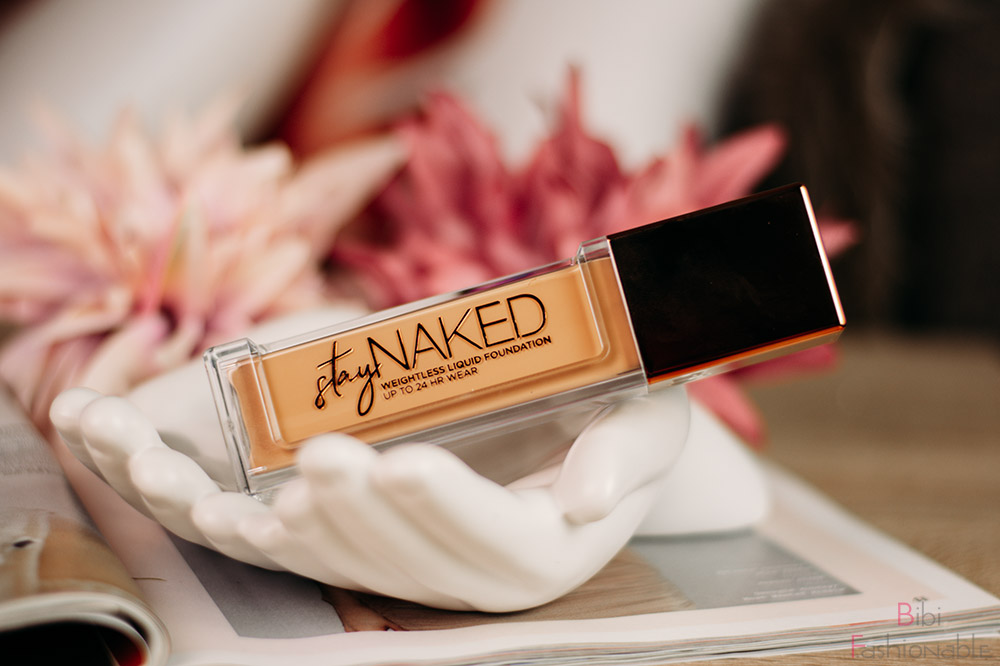 Urban-Decay-Stay-Naked-Foundation-liegend