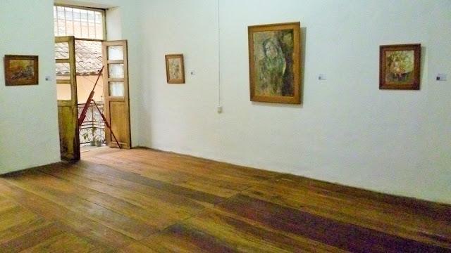 First of two rooms in the La Guadaña de la Hora Zero gallery