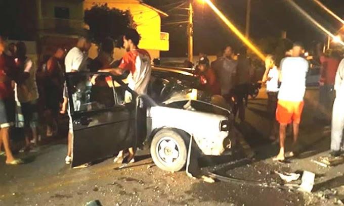 Colisão entre carro e caminhão deixa homem ferido em Capim Grosso