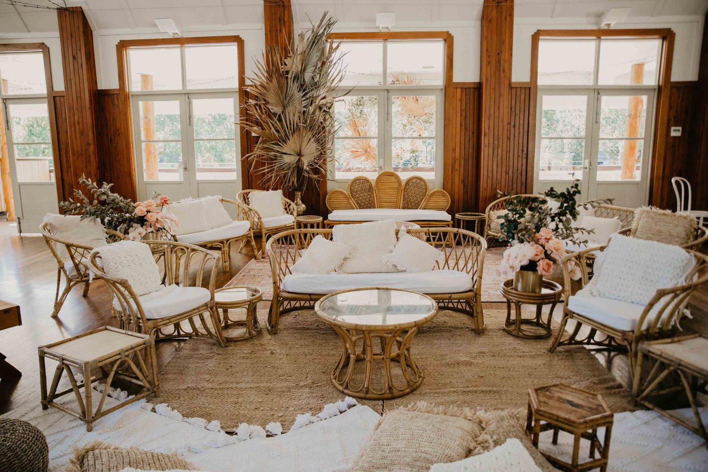 emma wand photography  luxe wedding stylists styling decor ultimate planner
