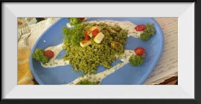 Garlicky palak paneer rice with palak raita